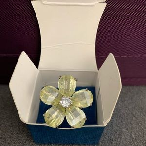 Avon CZ Flowers 🌺 in Bloom Ring - Small